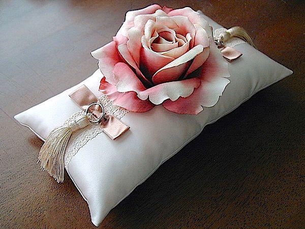 ateliersarah's ring pillow/Gradation of roses
