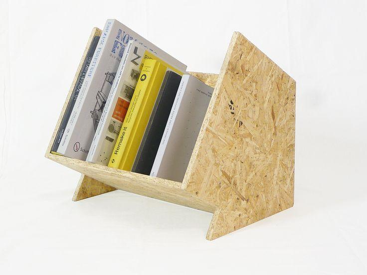 ik heb niet veel boeken, dus dit zou prima fungeren als boekenkastje bovenop mn bureau ofzo