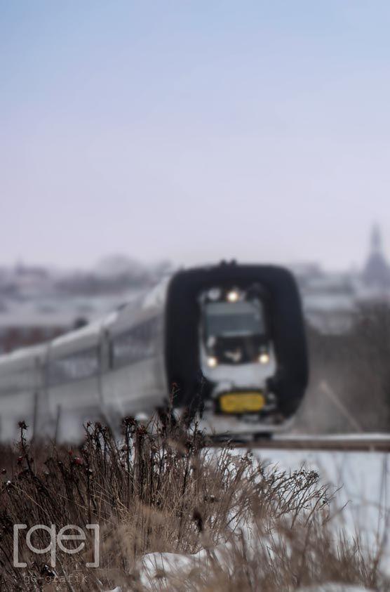 Denmark, DSB train on the move - Photograph by Qe-grafik