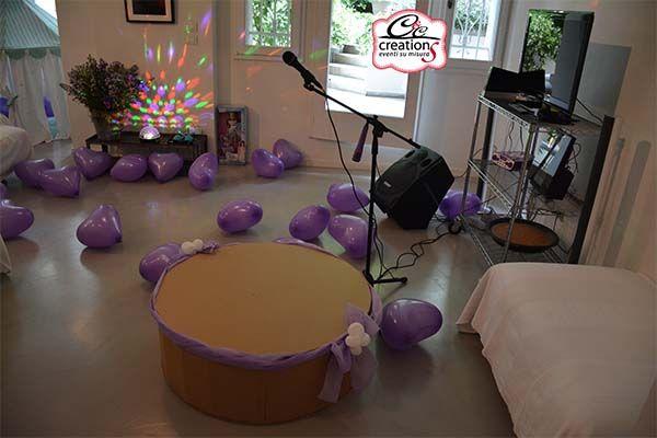 Festa a tema Violetta, addobbo in viola, lilla e bianco, anmazione a cura di C&C Creations Eventi, clown-giocoleria, truccabimbi, palloncini, zucchero filato e  Karaoke con il palco realizzato dalla nostra linea  Cartone Magico.