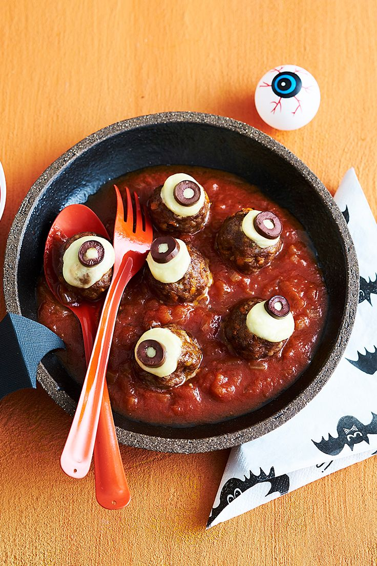Spook the kids and delight their tastebuds with these scary meatball eyeballs this Halloween!