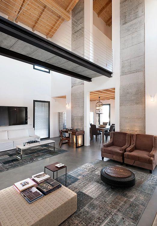 BRANDO concept    Stalla stable interior design arredamento cemento a vista pavimento resina soffitto legno arredo industriale recupero passerella open space