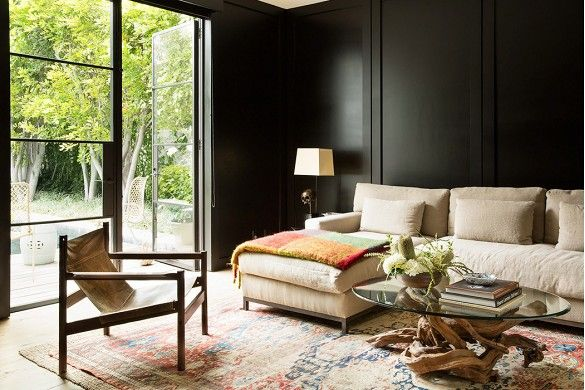 15 Lively Orange Living Room Design Ideas: Best 25+ Black Living Rooms Ideas On Pinterest