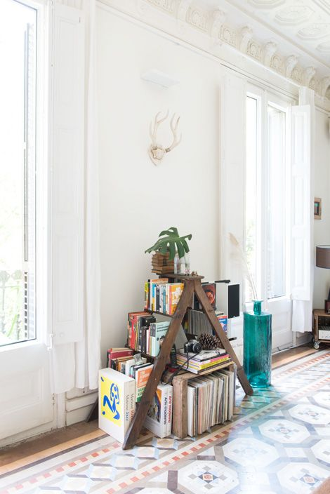 Binnenkijken in een eclectisch vintage appartement in Barcelona