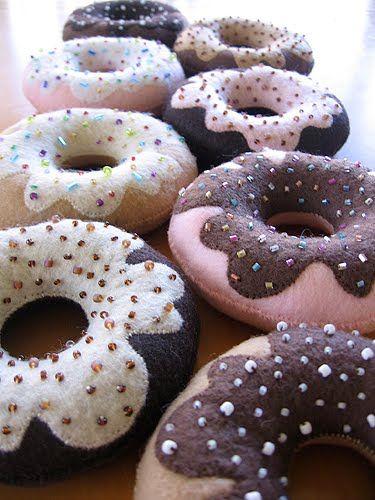 ARTE COM QUIANE - Paps,Moldes,E.V.A,Feltro,Costuras,Fofuchas 3D: Donuts de feltro_pap e molde