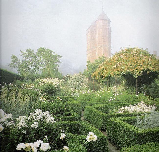 Sissinghurst White Garden, England from the book The Garden at Sissinghurst by Tony Lordfrom.  Engsholms Slott blog, Sweden