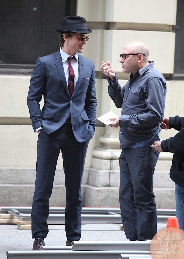 Picture 6341 « Matt bomer and Willie Garson on the set of white collar (Neal and Mozzie) | Fan-Girl.Org