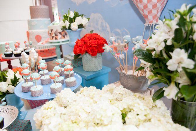 Flores, detalhes - Festa tema Balões | Macetes de Mãe