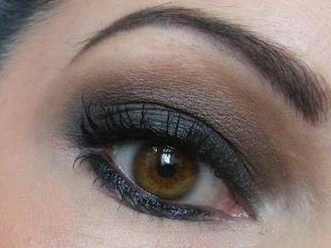 Maquillage des yeux marron foncé