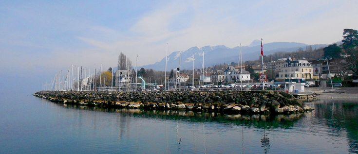 Balades romantiques à Evian-les-Bains sur les bords du Lac Léman.