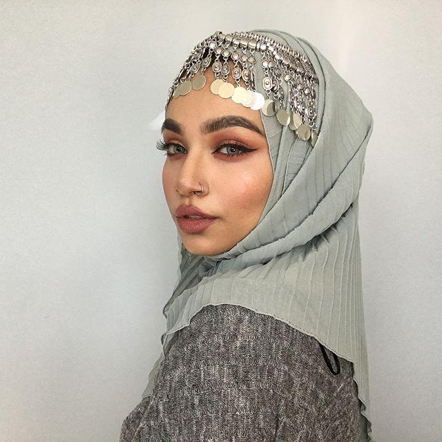 I'm just a bit extra (hijab: @imene_co )