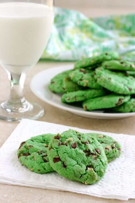 Mint Chocolate Chip Cookies: Mint Chocolate Chips, Green Cookies, Chocolates Chips Cookies, Food, Mint Chocolates Chips, St. Patrick'S Day, Cookies Recipe, Chocolate Chip Cookies, St Patrick'S Day