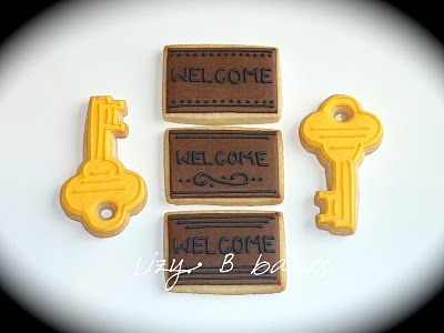 key and doormat cookie - these would be adorable to make for a new neighbor, a first -time homeowner, or a realtor!  :)