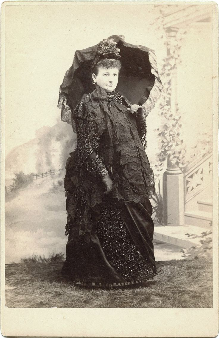 Women's Fashions of the Victorian Era: From Hoop Skirts to Bustles - 1837 - 1901