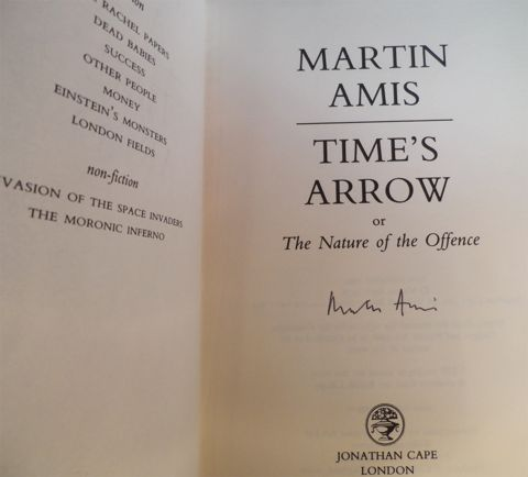 AMIS, Martin. TIME'S ARROW