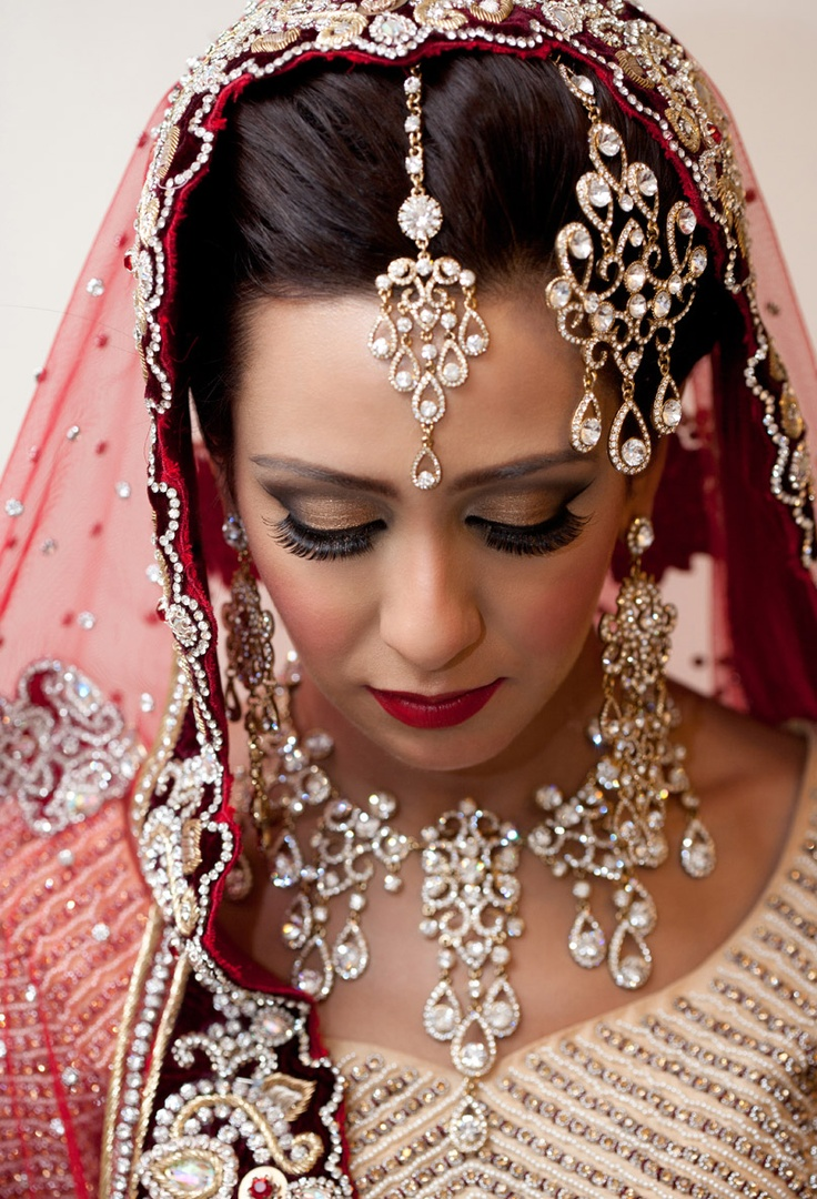 This Asian wedding photography image was captured by Larry Campbell of  Larry Campbell  Photography an elite  all inclusive  and affordable wedding photography service – if you would like to get more information please click  link this link : http://www.larrycampbellphotography.co.uk