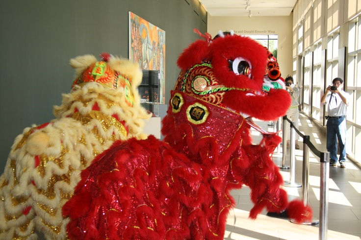 Two Chinese dragons perform in the museum!