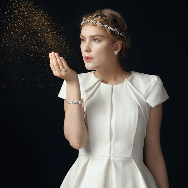 Van Cleef Arpels Jewellery And Watches Catalogue Luna Long