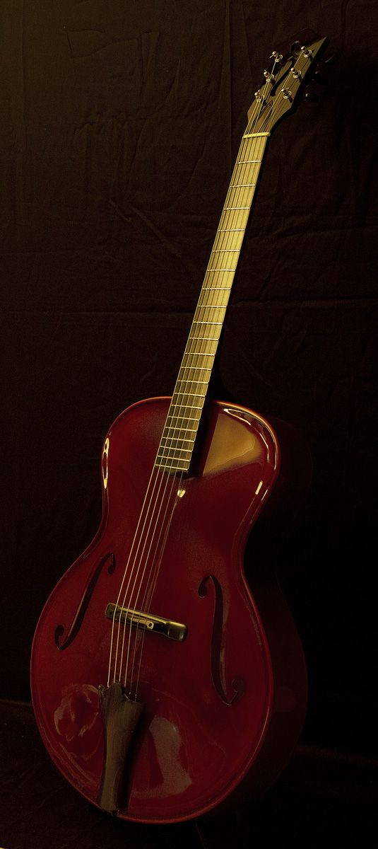 """Guitar model """"Classic"""" by Gérard Defurne. The quintessence of the Violin architecture transposed to Archtop Guitars"""