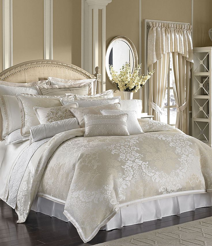 Waterford Bedding Elegant and refined, the bed set ensembles by Waterford lend a timeless beauty to your bedroom decor. With classic and vintage styles and designs, featuring historically accurate brocade, damask and woven jacquard prints, these collections are available in a range of designs - from subtle, modest color schemes to bold, vivid.