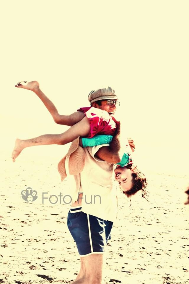 Ignasi and Paula in Kawhia beach