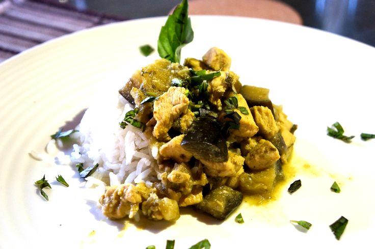 Placeres culposos Pollo al curry verde | Deliciosa y diferente, aventúrate a cocinar esta exótica receta, te va a encantar | amaradestiempo.com #amaradestiempo