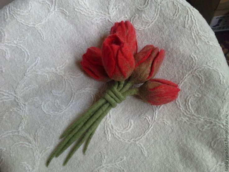 """Купить Брошь """"Тюльпаны"""" - ярко-красный, валяные броши, украшения ручной работы, Мокрое валяние"""