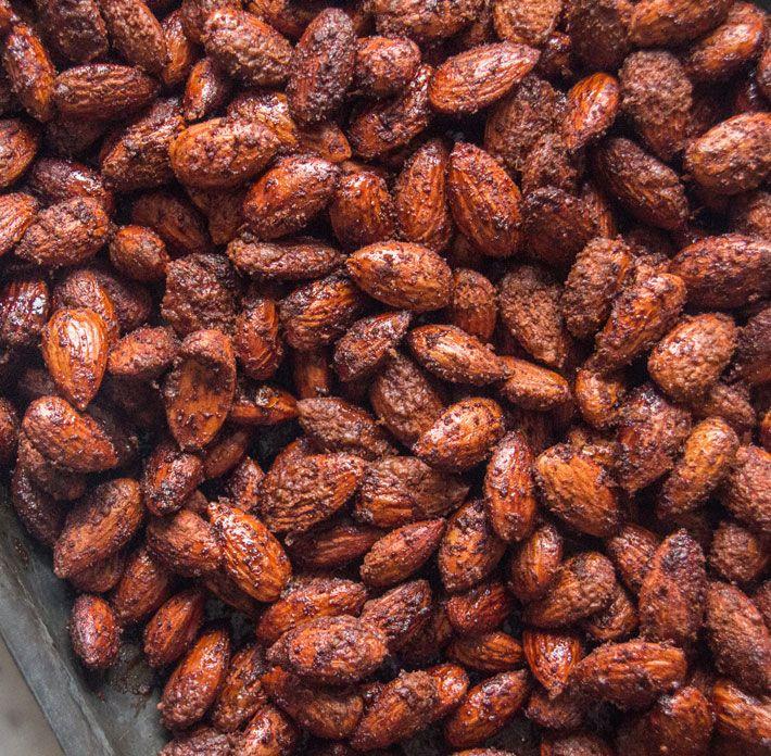 Spiced Christmas Almonds | Deliciously Ella