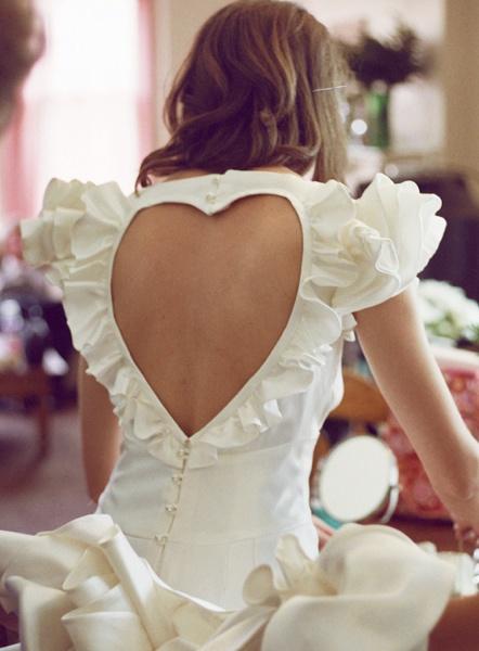 heart cut out back wedding dressWedding Dressses, Fashion, Cutout, Heart, Style, The Dresses, Cut Out, Open Back, Ruffles