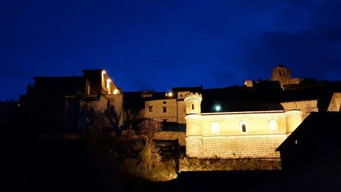 Our beauty Navelli early this morning!  La nostra bella Navelli prima dell'alba! #Abruzzo #travel #italy #navelli #abruzzosegreto #abruzzen #zafferano #saffron #borghi