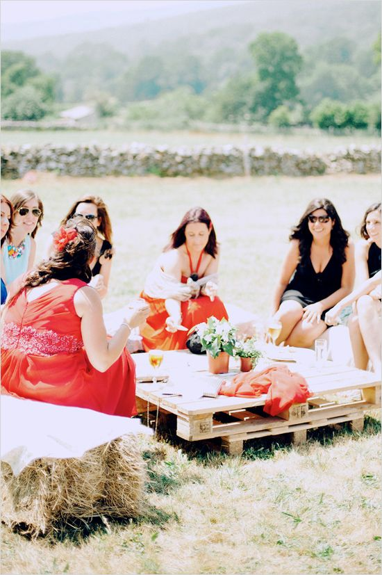 palette tables and hay benches #weddingseating http://www.weddingchicks.com/2013/12/16/wedding-in-northern-spain/