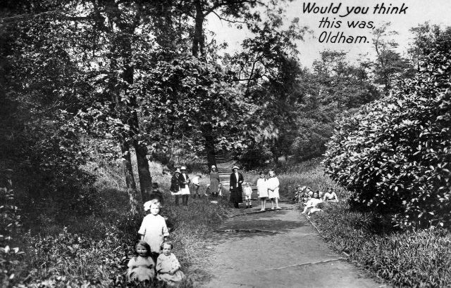 Would you think the Photo was from Oldham. Alexandra Park
