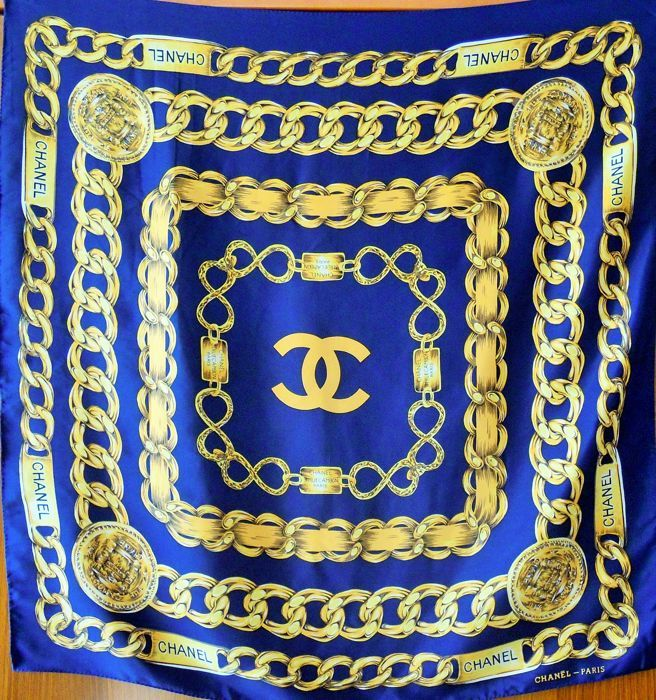 Catawiki online auction house: Chanel - Foulard '31 Rue Cambon - Paris'