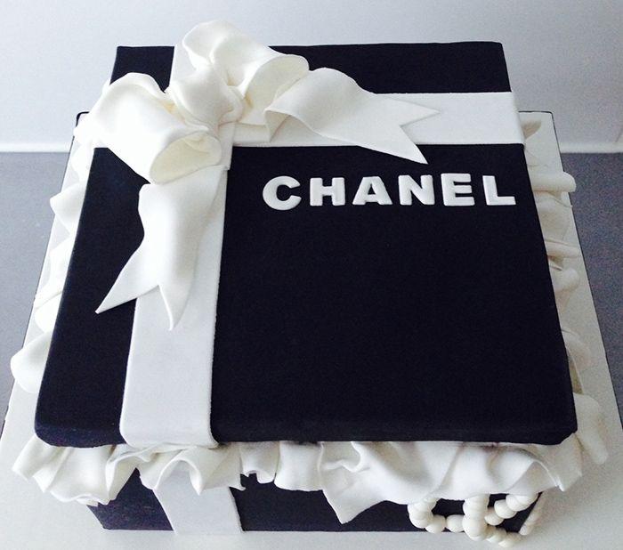 Wedding Gift Boxes Melbourne : ... Giftbox cakes on Pinterest Tiffany box, Cakes and Wedding cakes