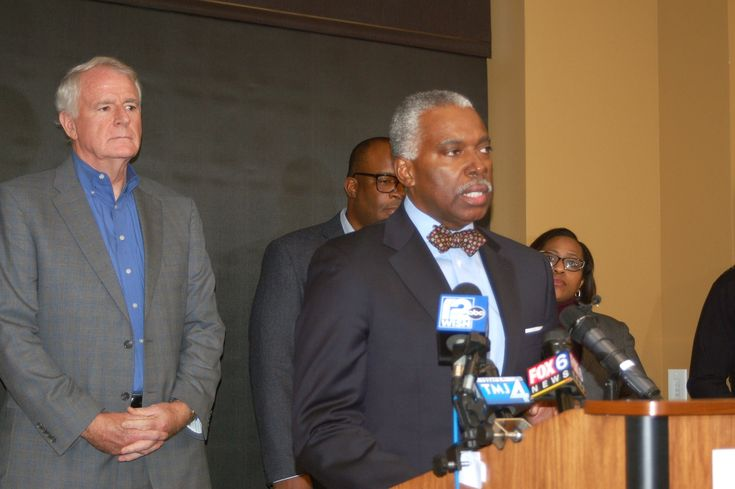 """Health Commissioner forced to resign in wake of """"egregious public health failure""""   Milwaukee Neighborhood News Service"""