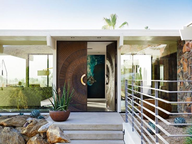 Picture perfect modern in palm springs decoration arch for Palm springs interior design style