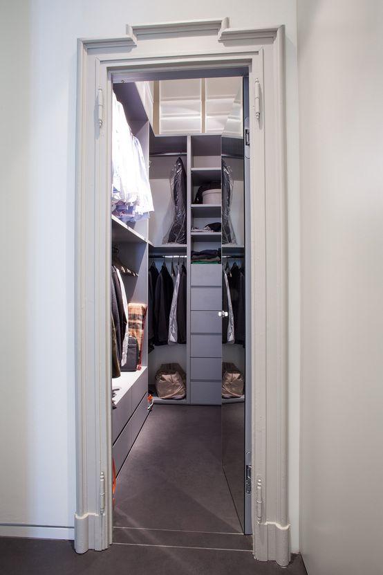 Appartamento a Milano : Spogliatoio minimalista di bdastudio