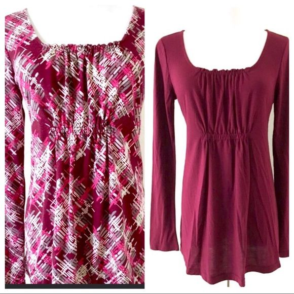f3ce51d446808 Longsleeve Top 2pc Bundle Nice burgundy colored long sleeve top with  gathering at bust line.
