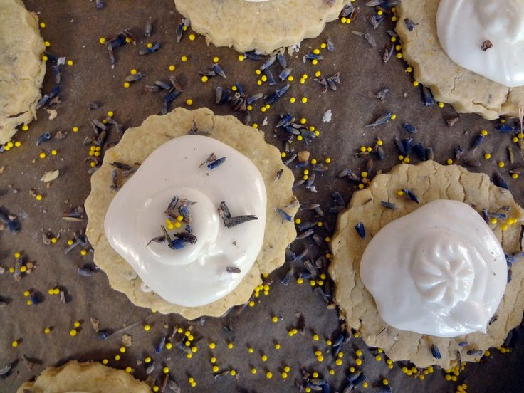 Ginger Fig Streusel Tarts With Honey Lavender Ice Cream ...