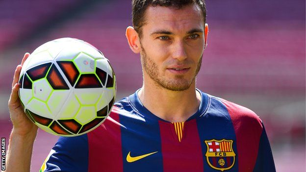 Barcelona have completed the £15m signing of Arsenal's Belgium international defender Thomas Vermaelen on a five-year contract
