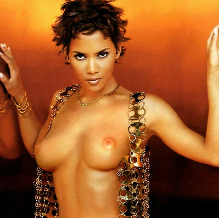 Halle berry showing her pussy