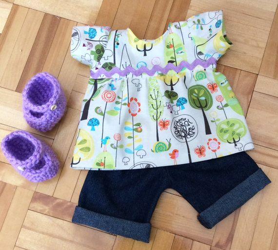 """15"""" Waldorf doll set, includes cotton dress, jeans and crocheted mary jane shoes.  Also fits 18"""" American Girl doll, Bitty Twin and Bitty Baby #waldorfdollclothes #waldorflove - Ensemble robe, pantalon et souliers poupée - by #mylittlepoppyseed on #etsy - Visit and like my Facebook page and my Etsy shop - Bienvenue dans ma boutique!  https://www.facebook.com/MyLittlePoppySeedCreations  https://www.etsy."""