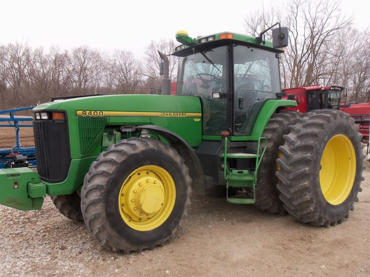 225hp John Deere 8400.In my pantheon of tractors this one model will always have a spot