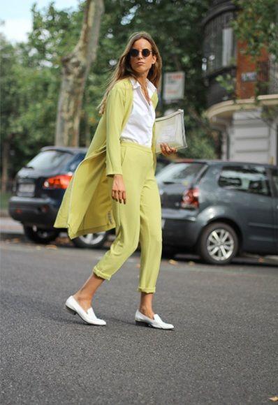 Berta Bernad con traje verde lima de ASOS | ASOS
