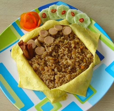 Resep Cara Membuat Nasi Goreng Selimut Telur Dadar http://dapursaja.blogspot.com/2014/11/resep-cara-membuat-nasi-goreng-selimut.html