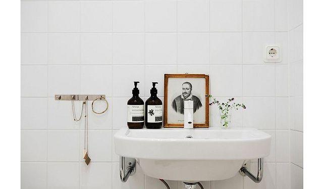 Bolaget by AMM blog, via FlickrBathroom Inspiration, Modern Bathroom Design, Guest Bathroom, Decor Bathroom, White Bathroom, Bathroom Sinks, Bathroom Interiors Design, Design Home, Design Bathroom