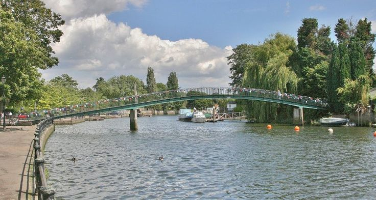 Eel Pie Island in UK, where the best musicians played back in the day. The Rooling Stones, Jeff Beck, Bo Didley and on and on.