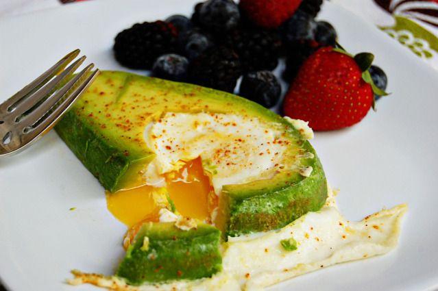 Avocado Egg: Breakfast Eggs, Recipes Transportation, Avocado Egg Breakfast, Cleanse Recipes, Avacado Eggs, Avocado Eggs Breakfast, Carb Eggs, A N Avocado, Advocado Eggs