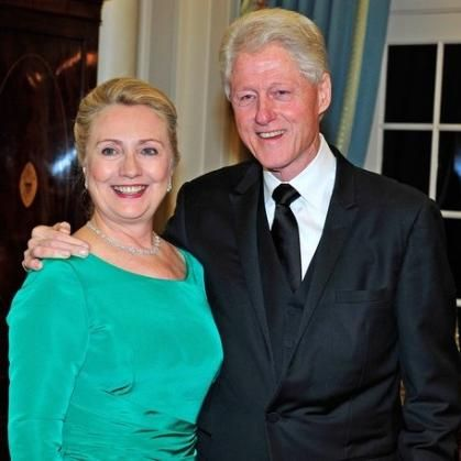 Bill and Hillary Clinton---------what a joke----- You know what Bill liked to do at the WHITE HOUSE