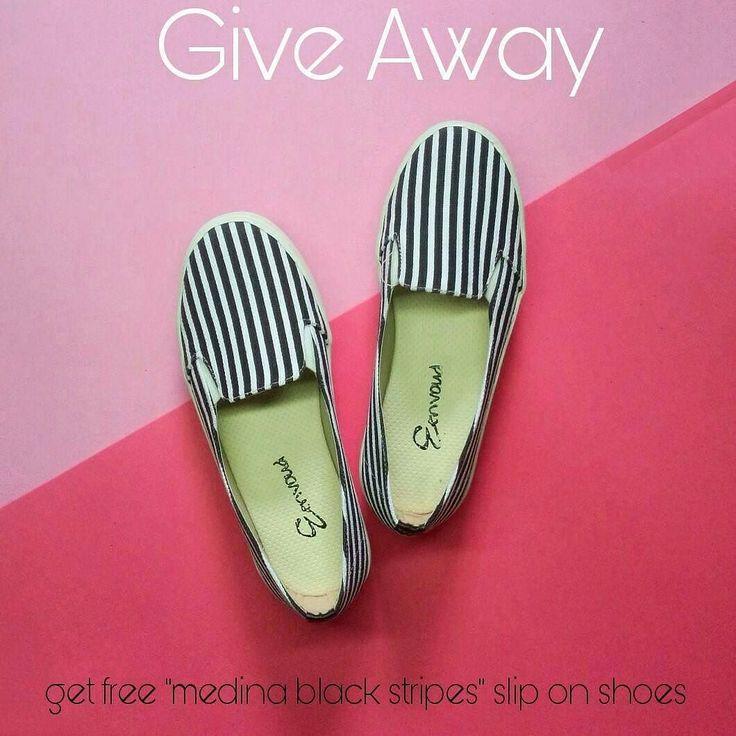 """Bismillah.. it's time to GIVE AWAY by @eenvoud.id !! . Assalamualaykum ukhti mau dapet FREE """"medina vertical black stripes"""" slip on shoes dari @eenvoud.id ?? yukk.. ikutin caranya... cukup simple! . RULES :  FOLLOW instagram @eenvoud.id  LIKE 5 postingan teratas di instagram eenvoud.id  LIKE postingan ini  info di komen postingan ini APA YANG DIRINDUKAN DARI RAMADAN mu?  jangan lupa tag minimal 3 teman kamu serta infokan warna & size berapa yang kamu mau  pemenang akan dipilih acak dengan…"""